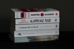 Veel boeken door de brievenbus